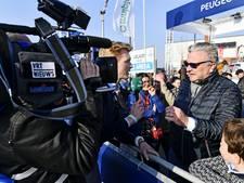 Prins Laurent rijdt een stukje op fiets Van Avermaet