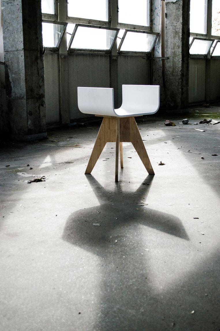 De taboustool, een kruising tussen een taboeret en een stoel.