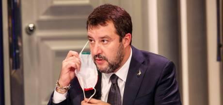 """110 pages blanches: un """"livre"""" insolite sur Matteo Salvini en tête des ventes"""