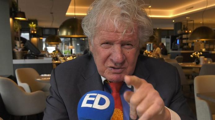 PSV-supporter Willibrord Frequin is het zat: 'Knok eens, luie donders'