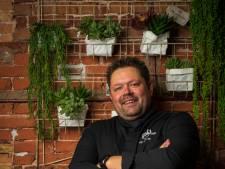 De nummers die chef-kok Rijk van Dijk zong in de keuken bij PK, werden ook gedraaid op zijn begrafenis
