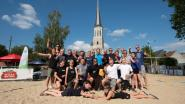 "Volleybalclub tovert kerkplein om tot sportstrand: ""1.000 ton zand nodig gehad"""