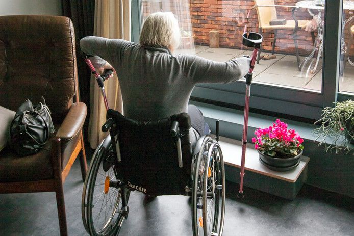 Ouderen willen in appartementen wonen met goede voorzieningen in de buurt, maar die zijn niet beschikbaar.