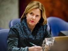 Minister vindt wachttijden CBR 'kwalijk' en gaat in gesprek