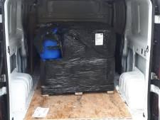 Man uit Erp in Geldrop opgepakt in busje met drugsgrondstof, zoektocht in Hoenzadriel levert niets op