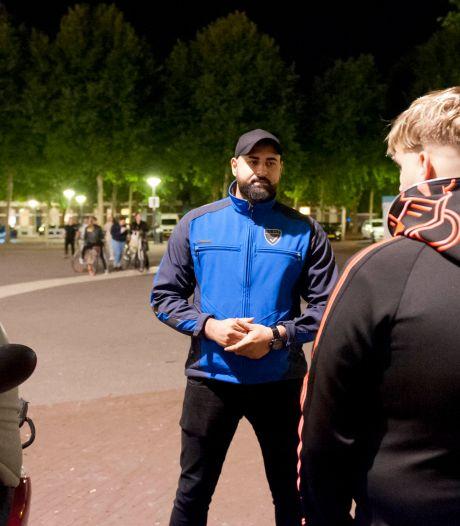 Nieuwe pleinbeheerders Beestenmarkt Deventer praten met overlastgevers: 'Je mond is je beste wapen'