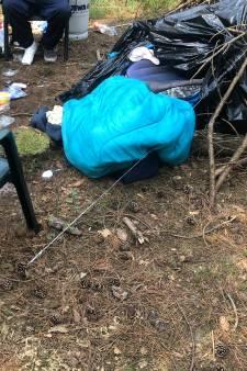 Steeds meer daklozen slapen in hutten in het bos: 'Levensgevaarlijk'