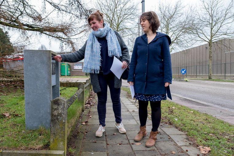 Wendy Andriaensen en Gert Van Gompel protesteren tegen de plannen.