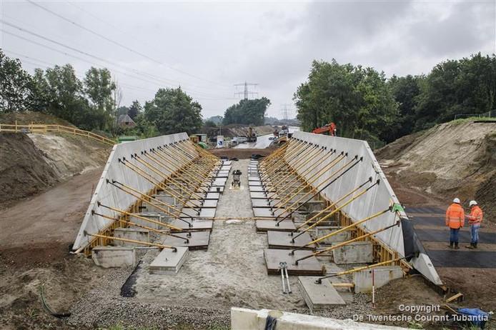 Aanleg van de tunnelbak van de Zuidelijke Randweg, in juni.