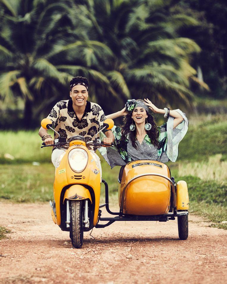Actrice Lize Feryn en VRT-sportanker Aster Nzeyimana delen hun geluk in Thailand.