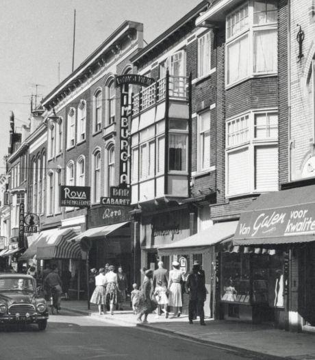 Je kunt het je niet voorstellen: in de jaren 50 reden er auto's door de Lange Elisabethstraat en de Steenweg