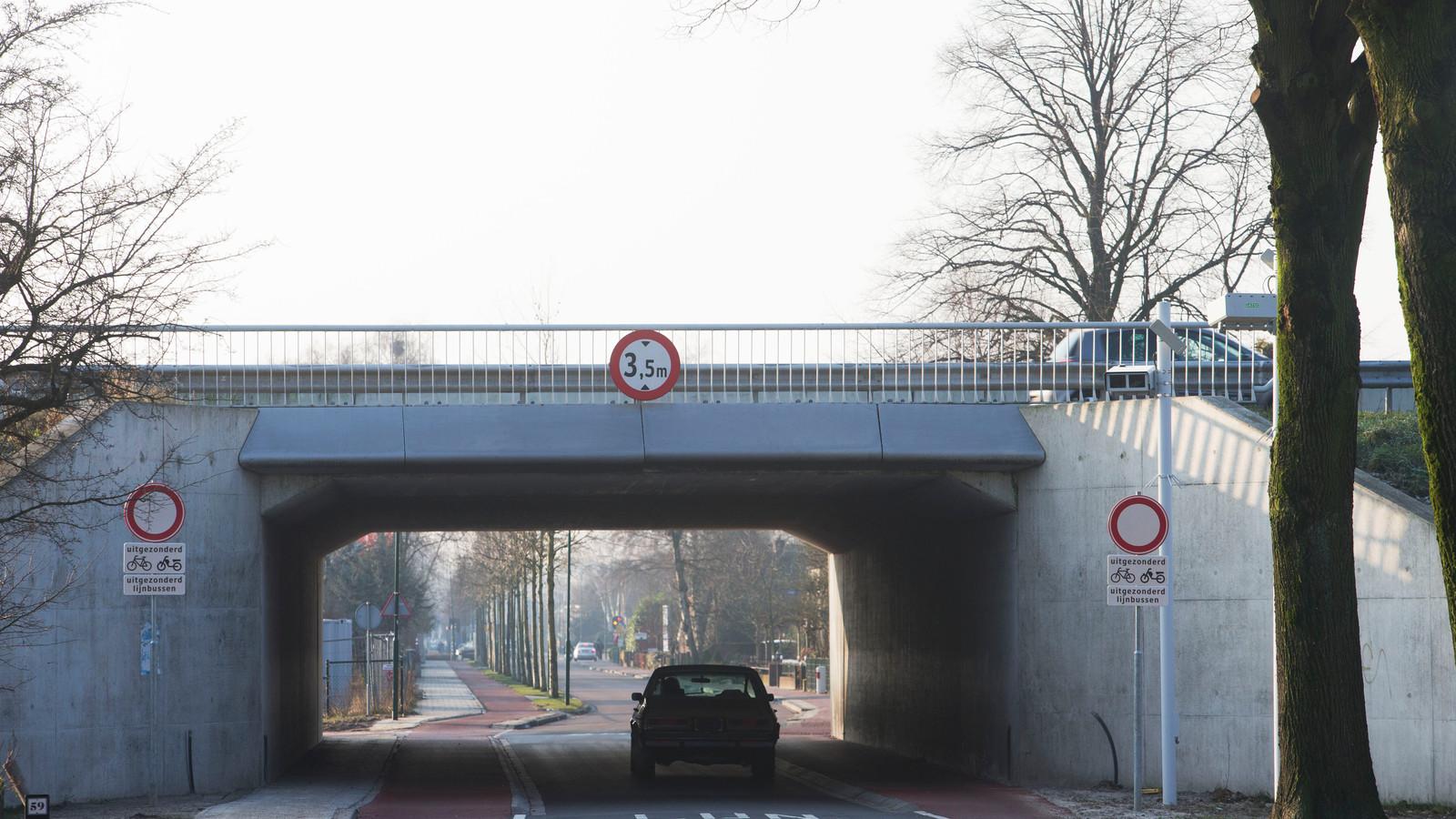 Zo zag de situatie er in december 2013 uit na de afsluiting voor gemotoriseerd verkeer.
