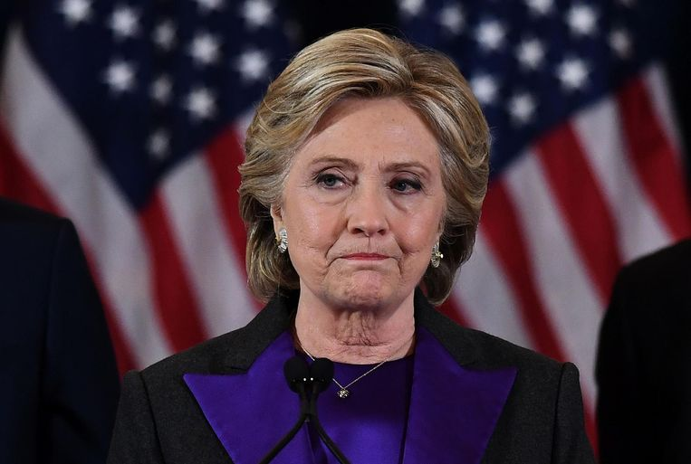 Een verslagen Hillary Clinton, 2016. Beeld null