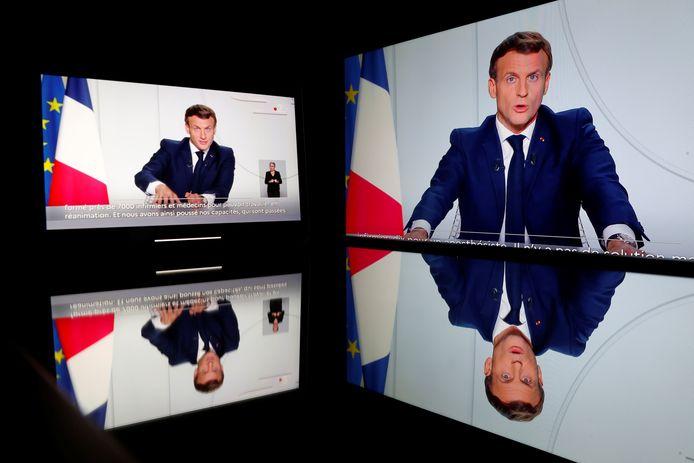 De Franse president Emmanuel Macron bij zijn toespraak vanavond.