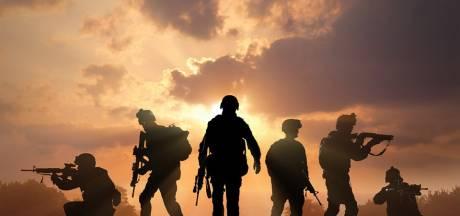 Militairen van de landmacht oefenen in Vijfheerenlanden