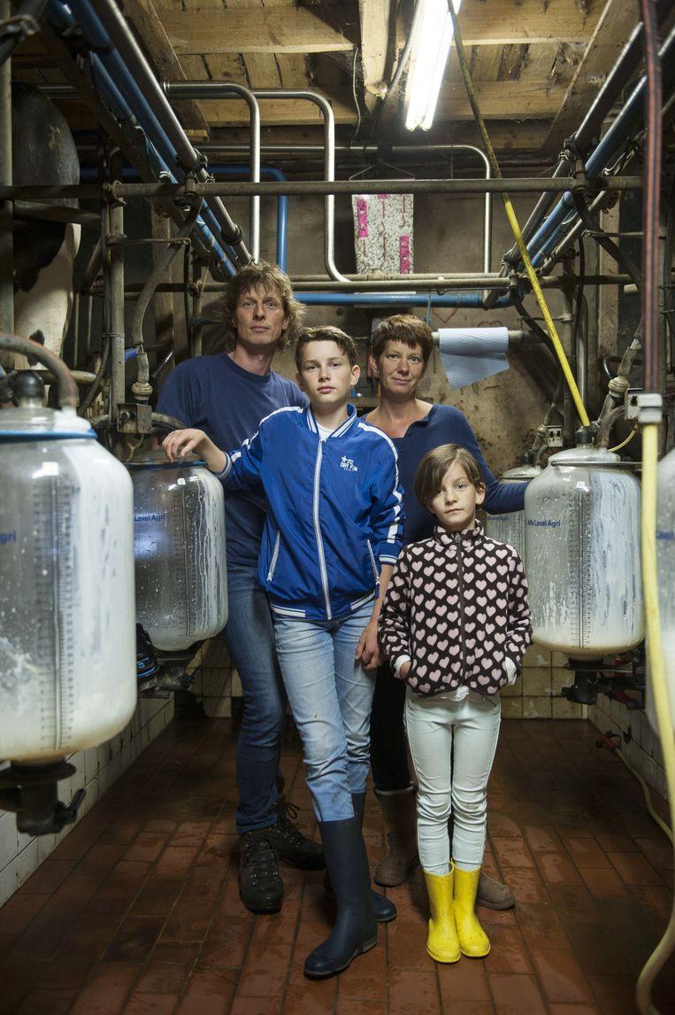 Gerjo Koskamp met zijn zoon Job, vrouw Annet en dochter Anine. Beeld An-Sofie Kesteleyn