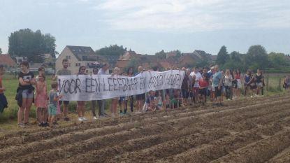 Wandelaars willen geen woonwijk in beekvallei
