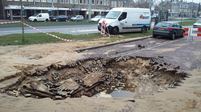 Het 'sinkhole' aan de Johan de Wittlaan in Arnhem