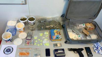 Drugs en vuurwapen in beslag genomen na huiszoeking