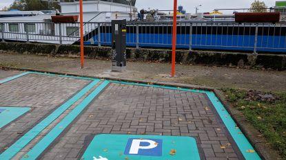 Twee nieuwe laadpalen voor elektrische wagens