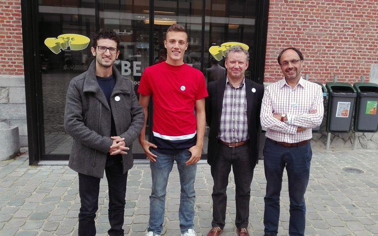 Schepen Mohamed Ridouani, Din Sula Johan Vanneck en Marcel Kerff aan CBE Open School.