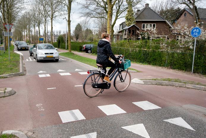 Fietskruising Rijnwaalpad en Ressensestraat. De voorrangssituatie is gewijzigd.