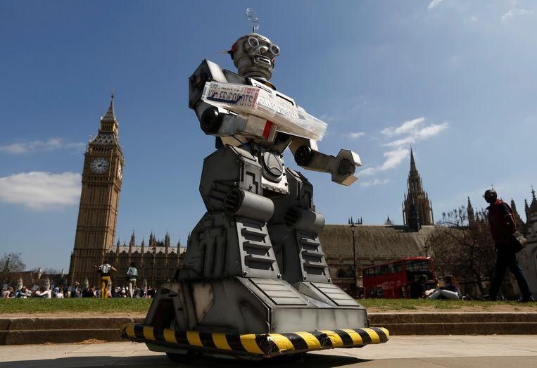 In 2013 riep de Britse 'Campaign to Stop Killer Robots' ook al op tot een verbod op killerrobots. Dit was hun mascotte.