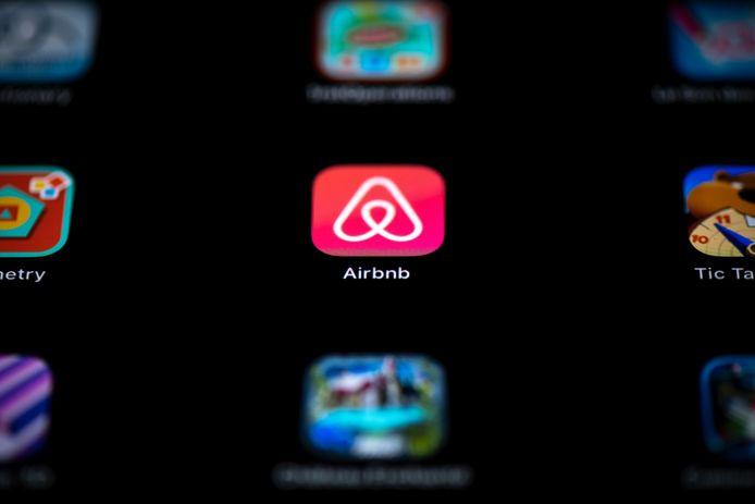 Airbnb mag niet twee keer bemiddelingskosten berekenen, oordeelt de rechter.