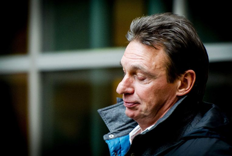 In de streng beveiligde 'bunker' in Amsterdam-Osdorp startte gisteren het proces tegen Willem Holleeder.