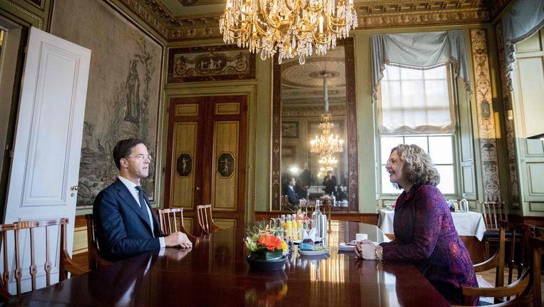 Verkenner Schippers ontvangt VVD-leider Rutte. Beeld afp