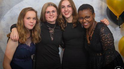 """Beste vrienden nemen afscheid van Florence (17) na kerstdrama in Bree: """"Ze wou nog zoveel mensen helpen"""""""
