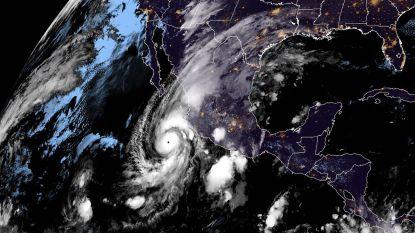 Orkaan Willa nadert Mexico: ramen en deuren worden dichtgetimmerd, ruim 10.000 mensen geëvacueerd
