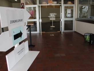 """Extra screeningcentra in sporthallen Knesselare en Ertvelde vanaf maandag weer open: """"Iedereen mag zich weer laten testen"""""""