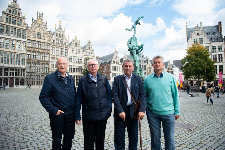 Deze vier mensen, kenners van het Oosterweeldossier, willen een radicale ommezwaai in de plannen. Vlnr Alfons Ivens (BOLSE), prof. emeritus Georges Allaert, ex-projectleider Masterplan 2020 Jaak Polen en Philippe Deleu.