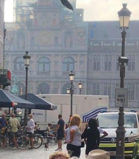 """Drie verdachten gearresteerd na schietincident op Grote Markt in Antwerpen: """"Er is geen slachtoffer"""""""