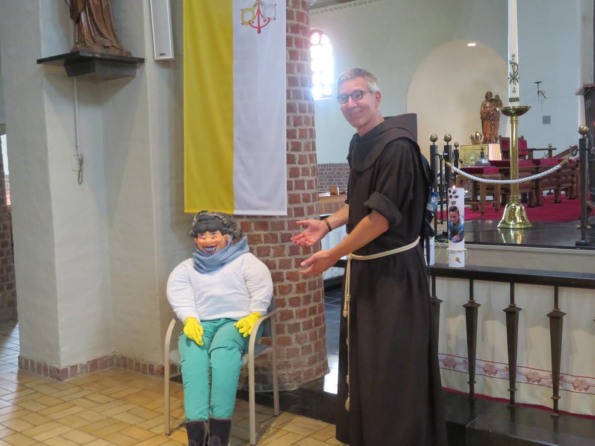 """Pastoor Putmans: ,,Sara is geen heilige, wel een aartsmoeder""""."""