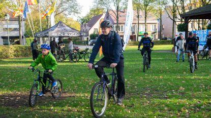 Nieuw mountainbikeparcours feestelijk ingefietst
