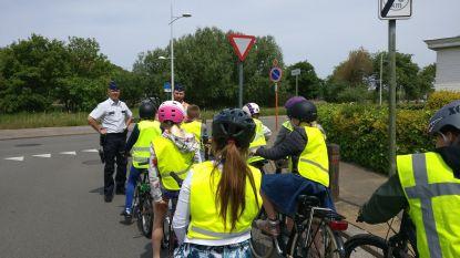 Politie geeft verkeerslessen aan alle vierdejaars van basisscholen in Bredene en De Haan