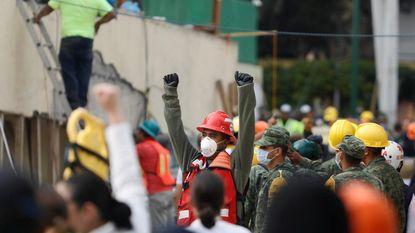 In doodse stilte op zoek naar leven na de aardbeving: zo gaan reddingswerkers te werk om hulpkreten te horen