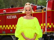 """Katy Perry montre son nombril déformé: """"La réalité de la grossesse"""""""