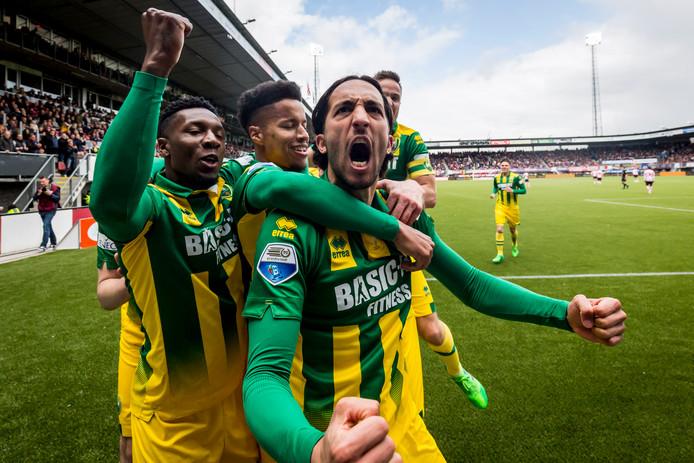 Nasser El Khayati viert zijn goal tegen Sparta.