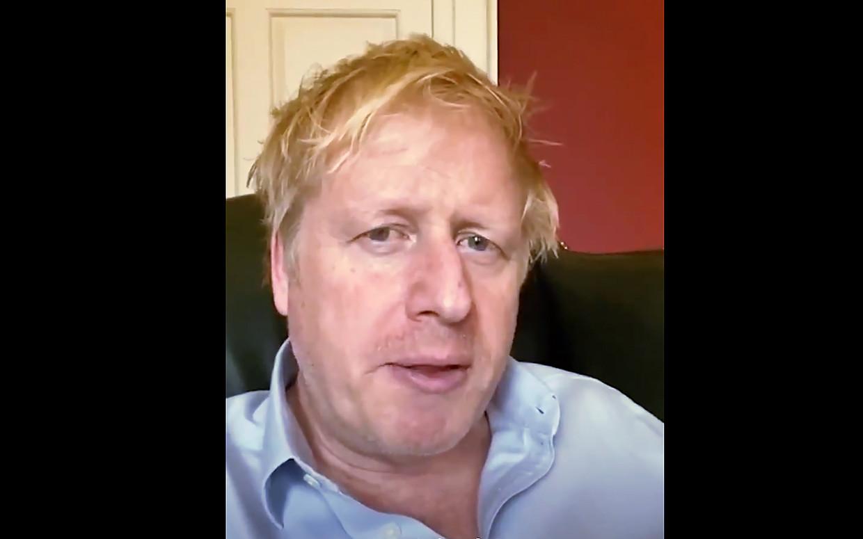 De Britse premier Boris Johnson kreeg de diagnose 26 maart en werkte tot zijn opname zondag vanuit huis. Beeld AFP