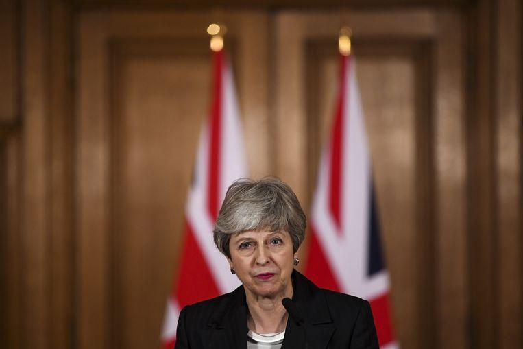 De Britse premier Theresa May tijdens haar toespraak op Downing Street. De Britten hebben om de EU om uitstel van de Brexit gevraagd.  Beeld null
