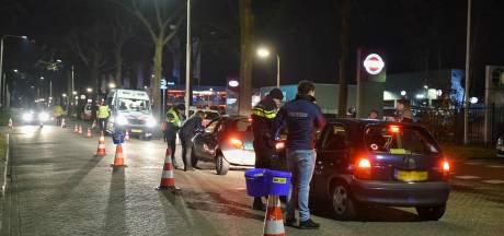 Grote politiecontrole in Tilburg: 35.000 euro aan boetes, 14 voertuigen weggesleept