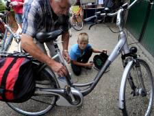 Accu van je fiets opladen? De ene school verbiedt het, de ander heeft laadpalen