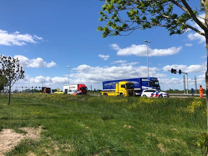 Een auto met paardentrailer kreeg een ongeluk op de N50, ter hoogte van Zalkerbroek.