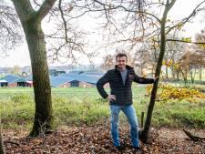 'Piekbelaster' en pluimveeboer Erik Wevers wil best stoppen, maar de provincie laat het afweten