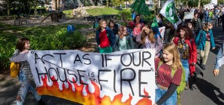 Scholieren staken voor het klimaat: 'Het gaat helemaal de verkeerde kant op'
