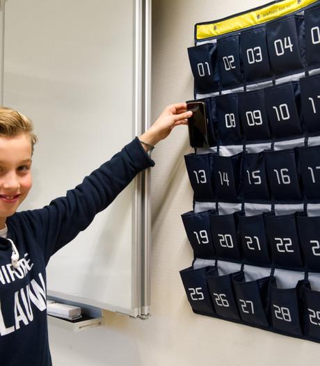 Smartphone gaat in de telefoontas op scholen rond Nijmegen