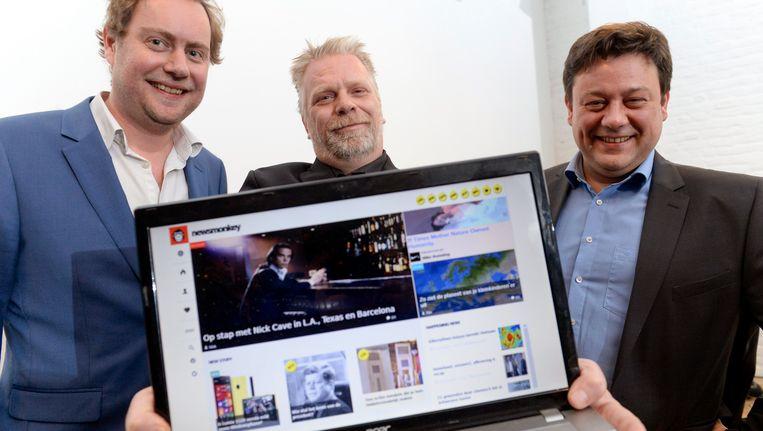 Wouter Verschelden (l) en Mick Van Loon (m) van Newsmonkey. Patrick Van Waeyenberge (r) heeft de nieuwssite intussen verlaten.